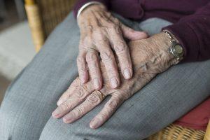 Comment traite-t-on l'arthrite ?