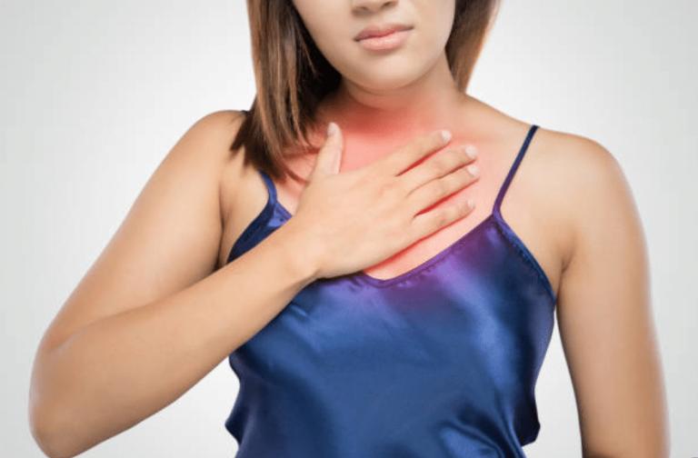 Reflux acide : symptômes, causes et aliments à éviter
