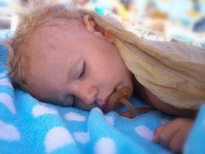 Astuces à essayer quand votre bébé ne veut pas faire la sieste
