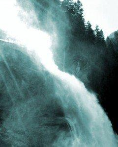 Ein riesiger Wasserfall