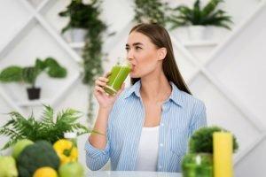 Les meilleures recettes d'eau de détox et à drainer et purifier